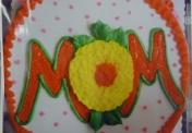"""W-152 Mom cake w/ decorated """"O"""""""